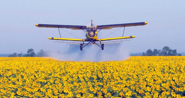 Monsanto-Crop-Dusting