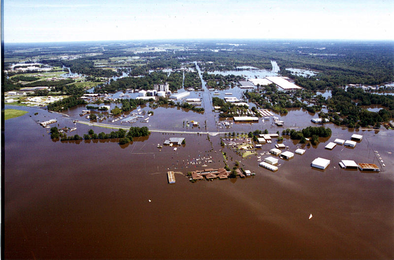 800px-fema_-_399_-_photograph_by_dave_saville_taken_on_09-19-1999_in_north_carolina